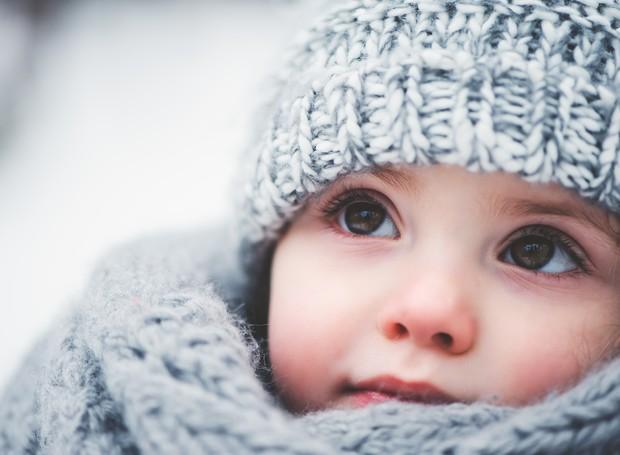 8 maneiras de manter seu filho quentinho e seguro no frio!