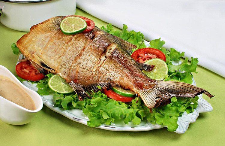 Assar peixe sem grudar na forma