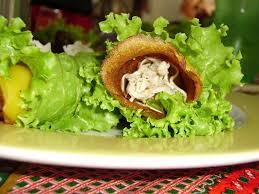 Minipanqueca de cenoura com salada verde
