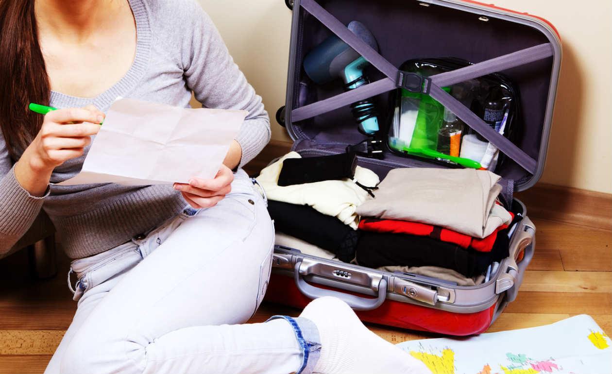 6 dicas para colocar todas as roupas na mala de viagem sem amassá-las